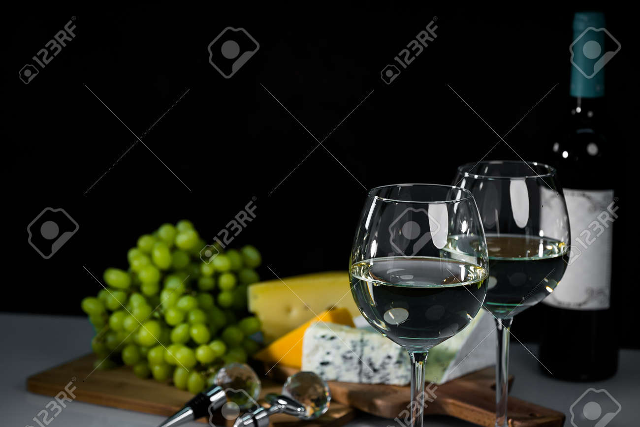 White wine and food composition - 142549807