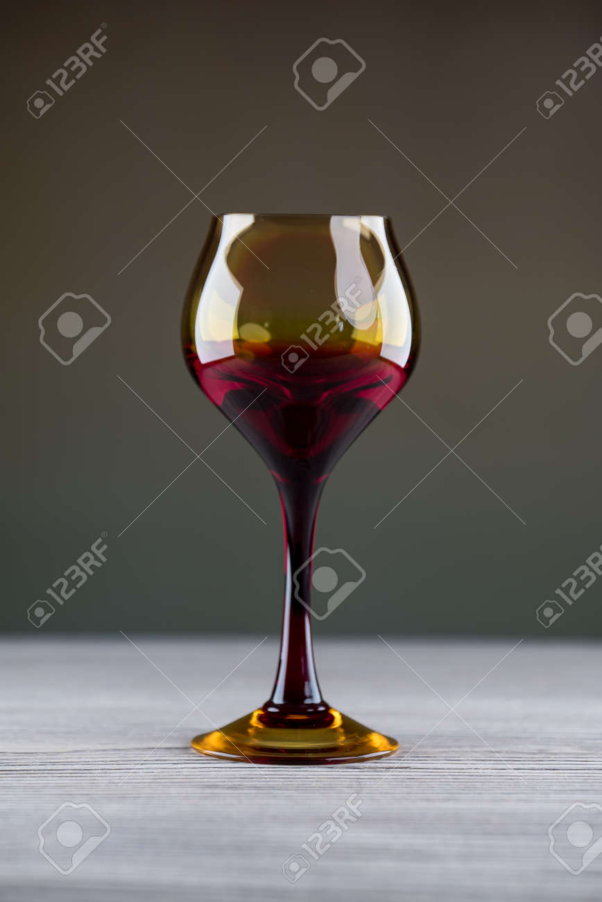 Red wine in glass close-up - 142549808
