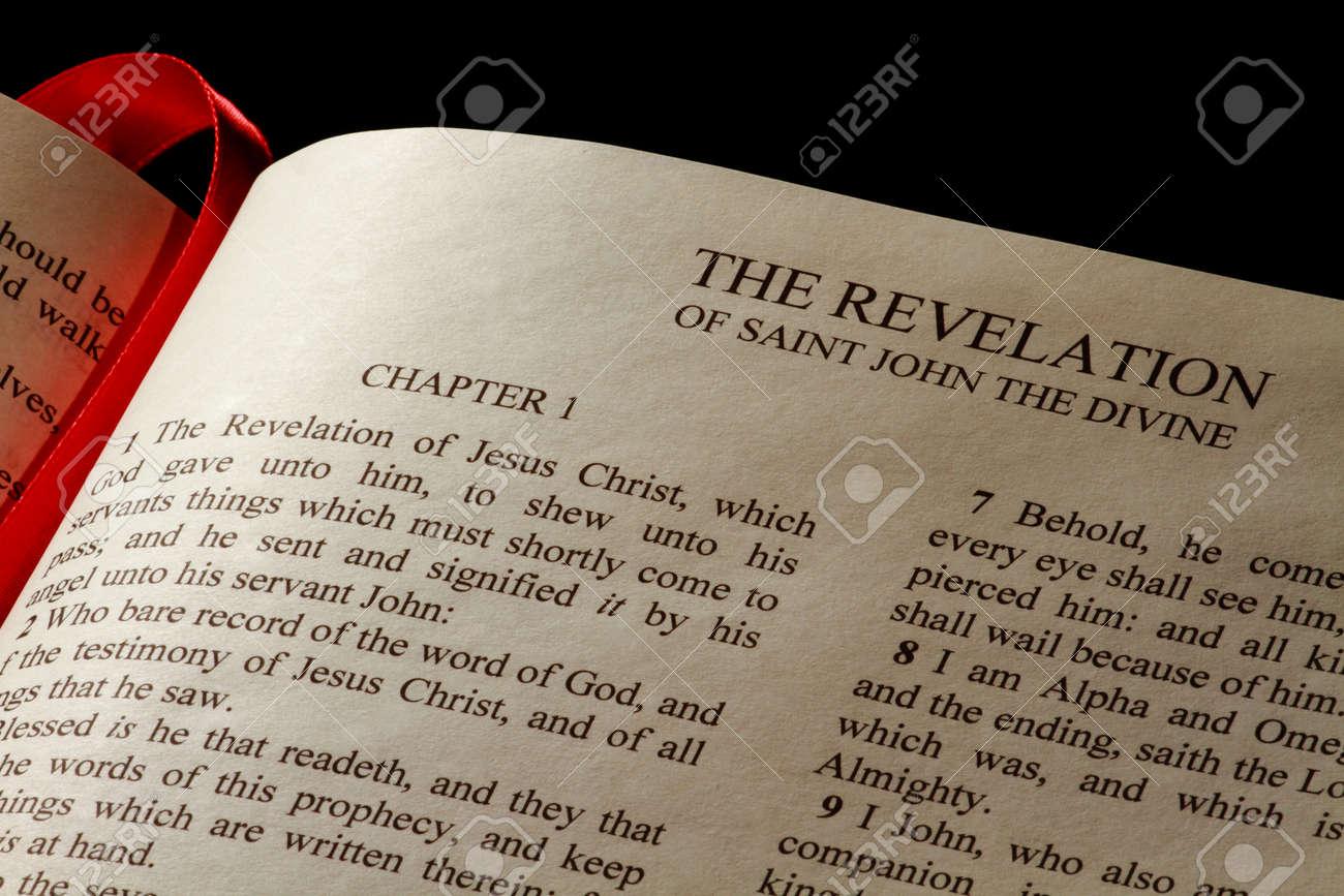 Capítulo 1 Del Libro Del Apocalipsis En El Nuevo Testamento De La ...
