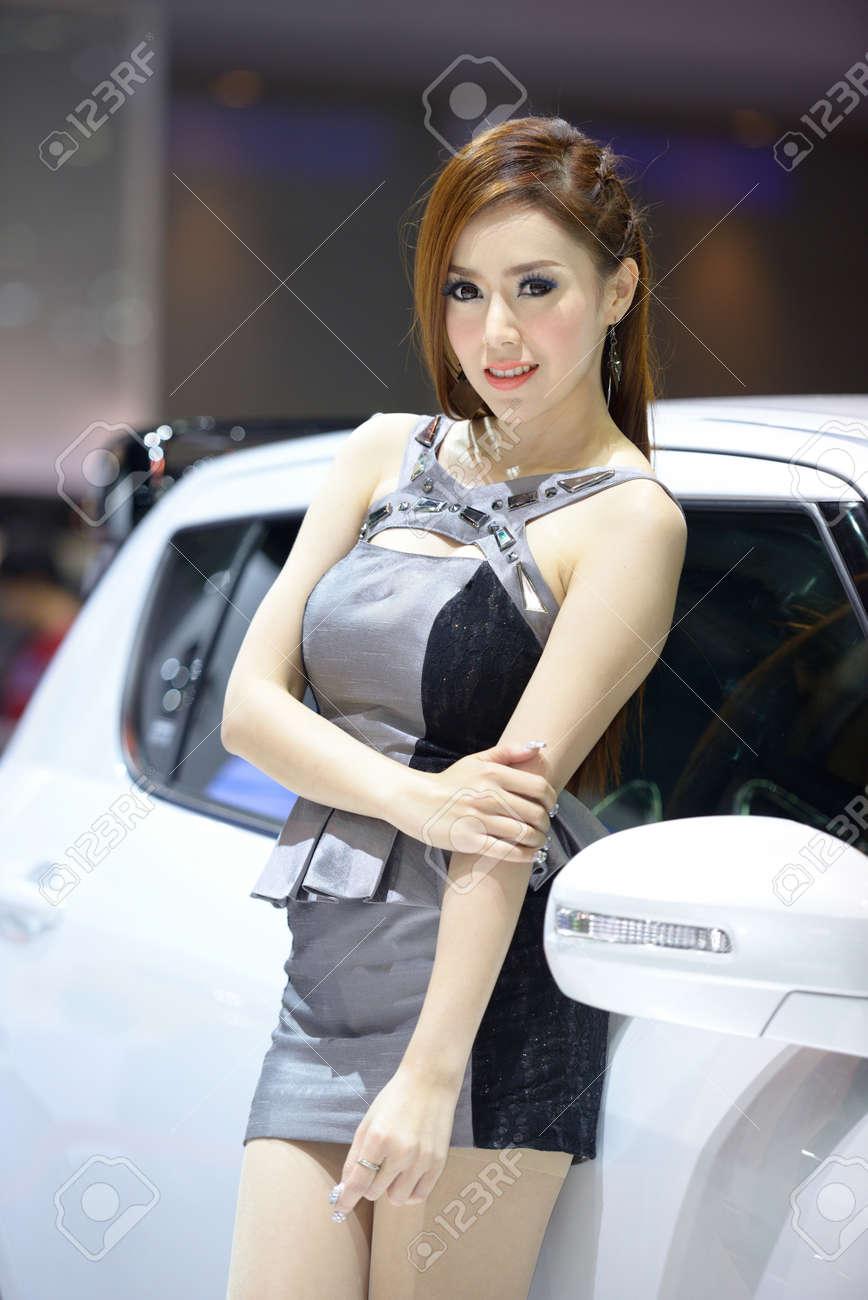 Bangkok model Nude Photos 54