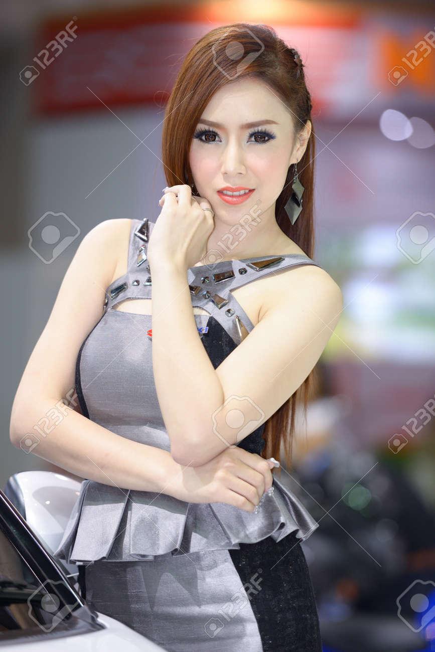 Bangkok model Nude Photos 18