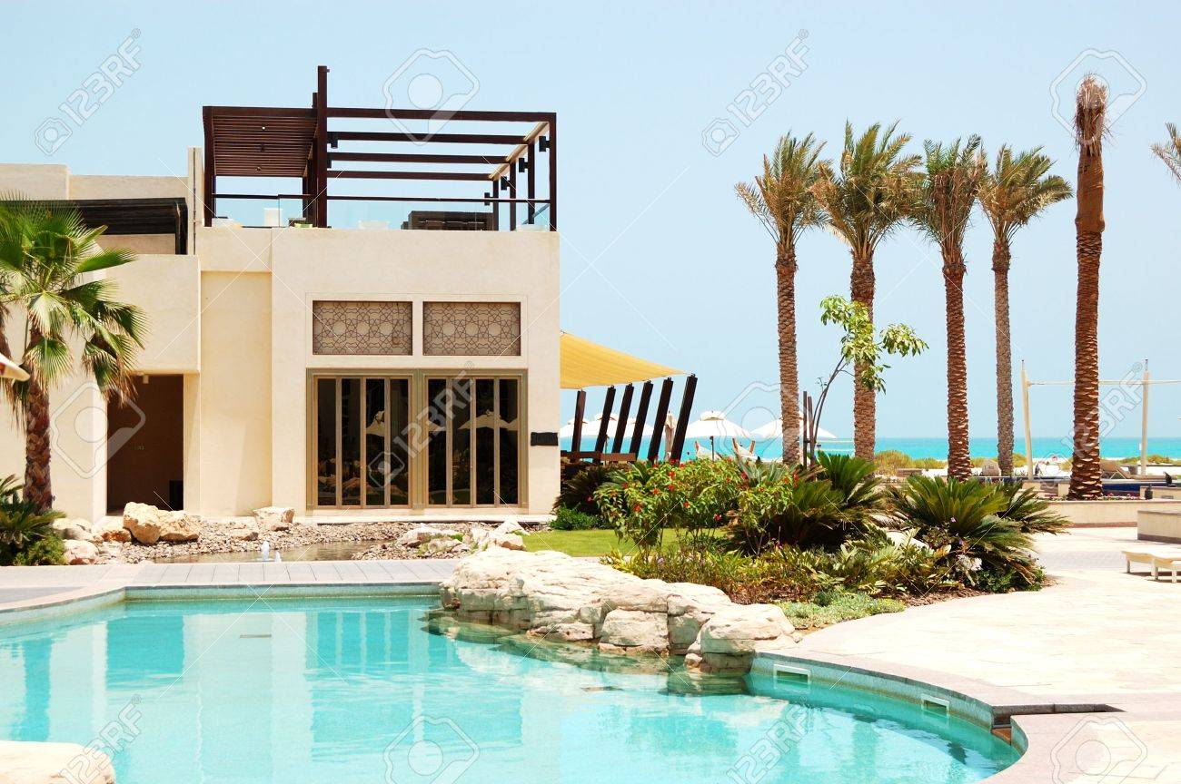 Swimming pool at the luxury villa, Saadiyat island, Abu Dhabi, UAE Stock Photo - 21632091