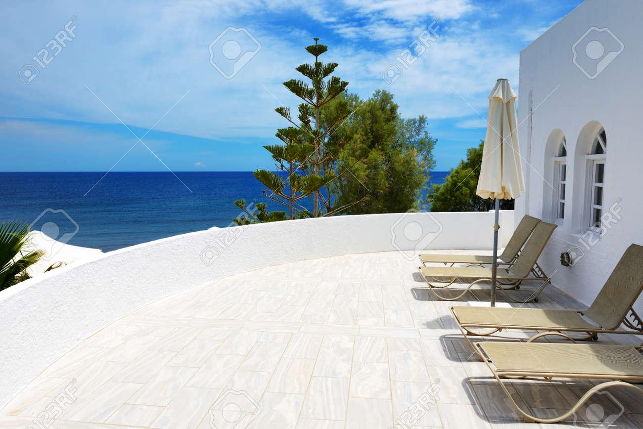 Banque Du0027images   La Terrasse Avec Vue Sur Mer à Lu0027hôtel De Luxe, Lu0027île De  Santorin, En Grèce