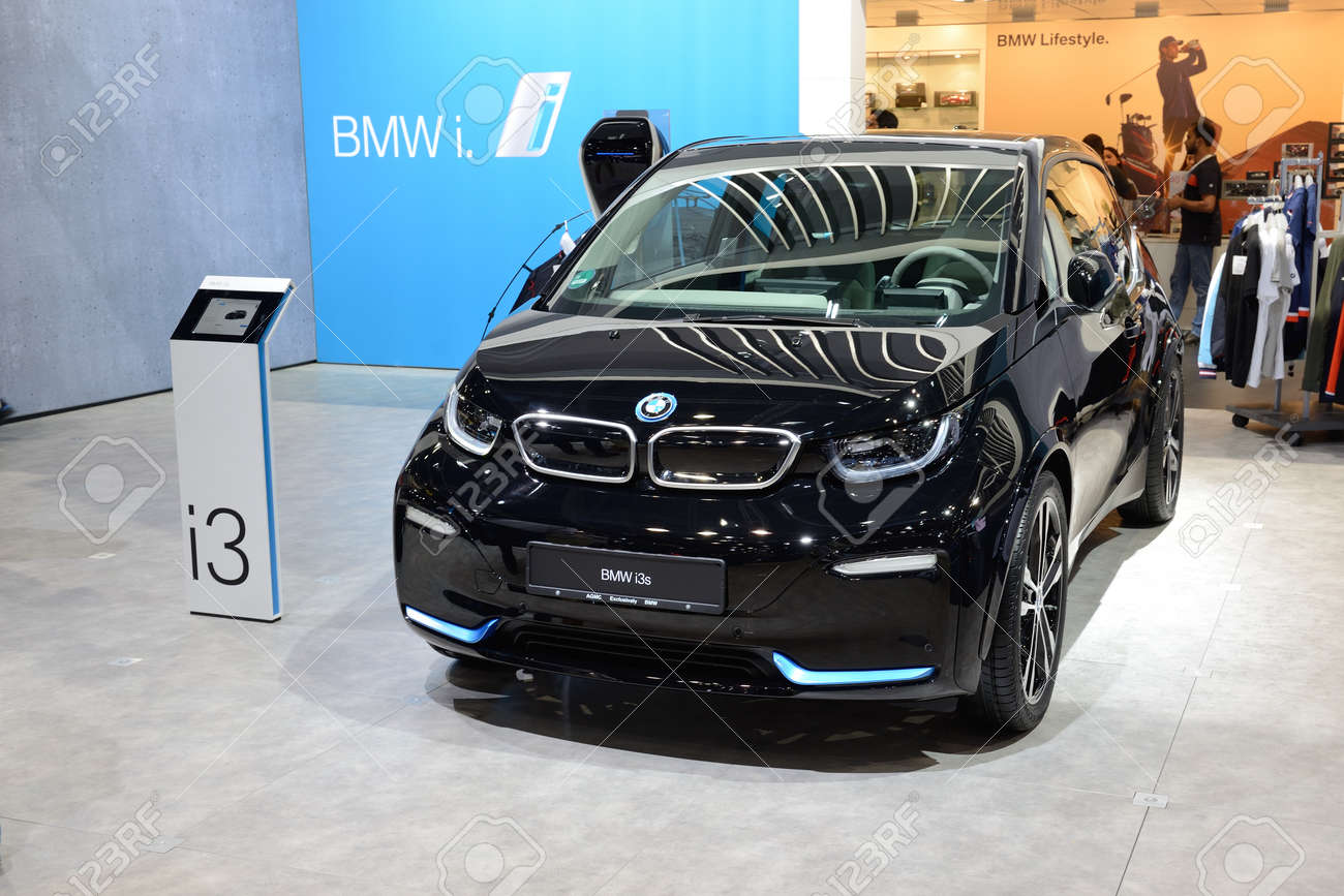 Dubai Uae November 18 The Bmw I3s Electric Car Is On Dubai