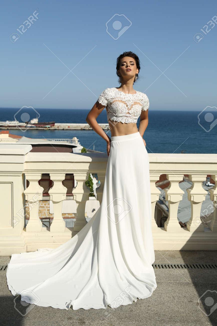 Foto De La Moda Interior Del Precioso Vestido De Novia En La Boda De ...