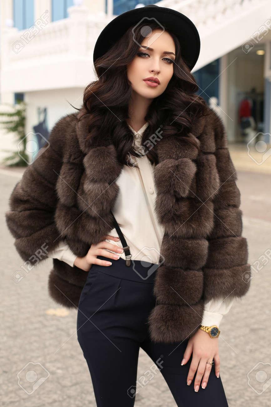 Magnifique manteau fourrure noir t.40 Vinted