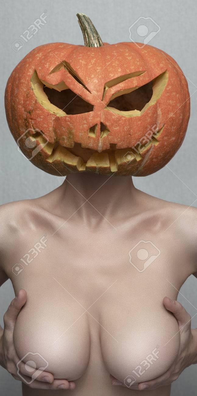 Titten, die größer sind als ihr Kopf