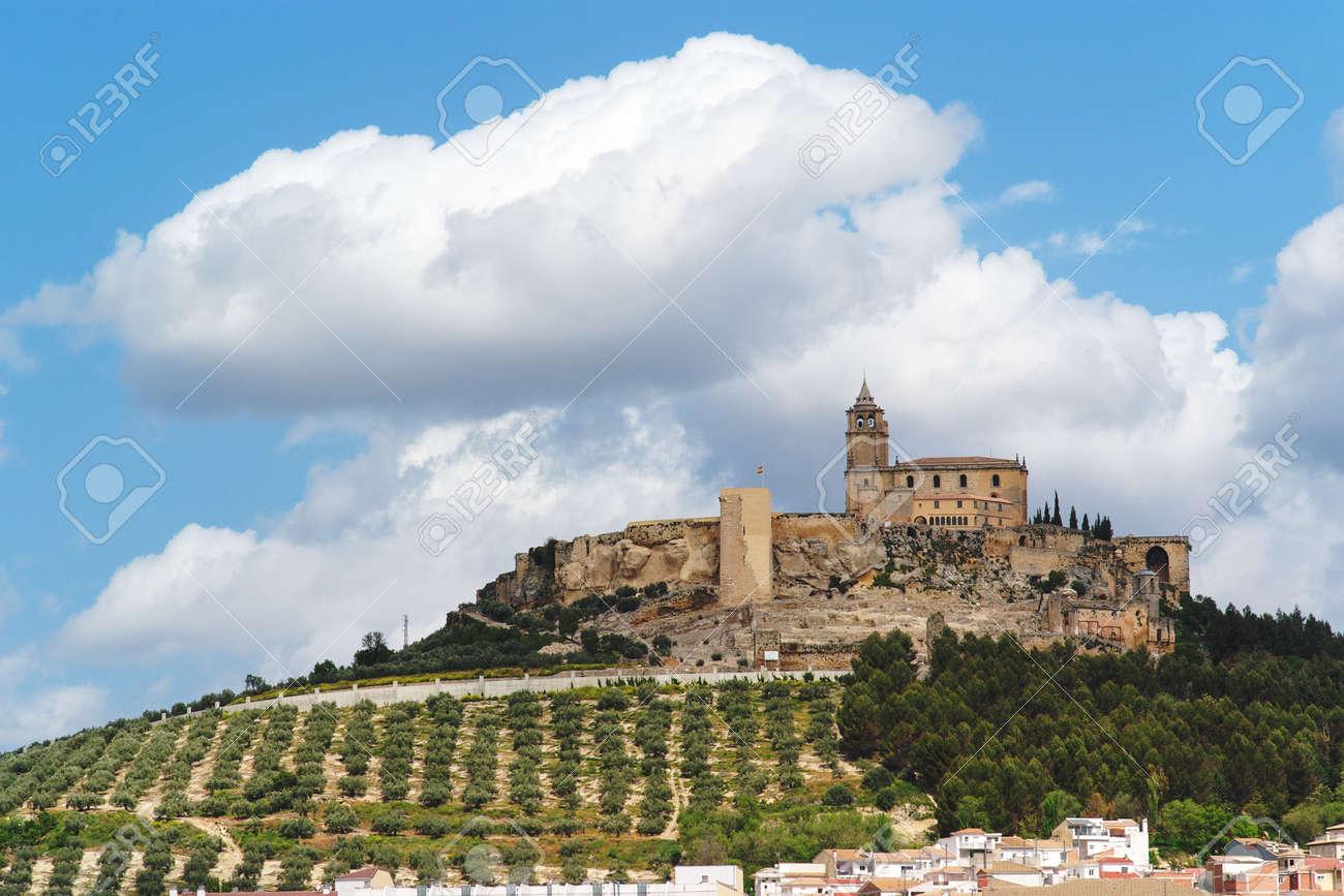 Medieval Castillo De La Mota En La Colina Sobre La Ciudad Alcala La Real En Andalucia Espana