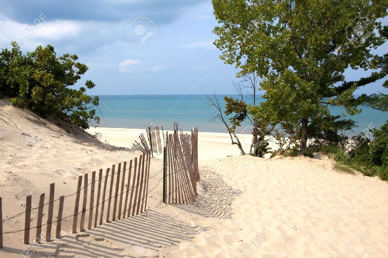 Indiana sand dunes on Lake Michigan Stock Photo - 15468143