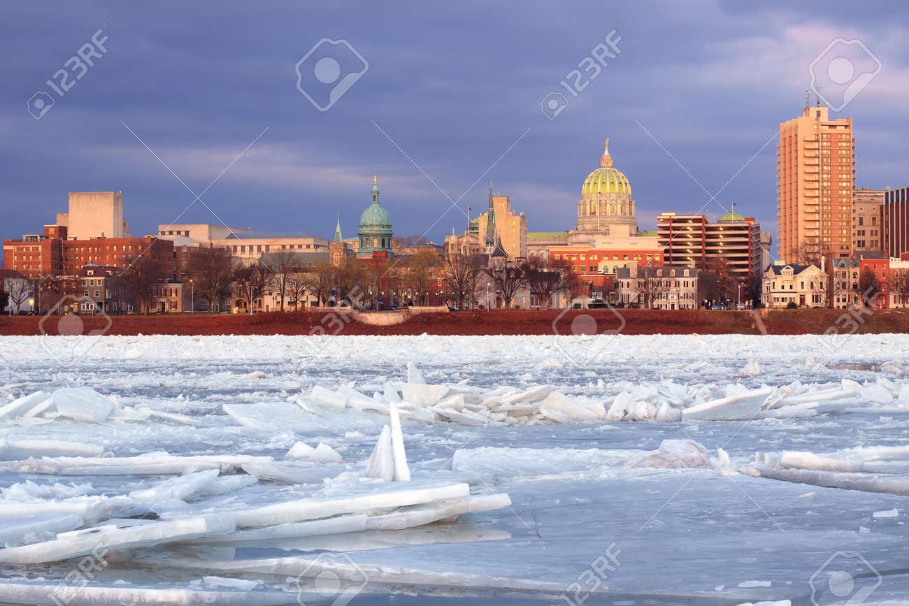 Harrisburg, Pennsylvania, Von Der Abendsonne Beleuchtet Wie Von City ...
