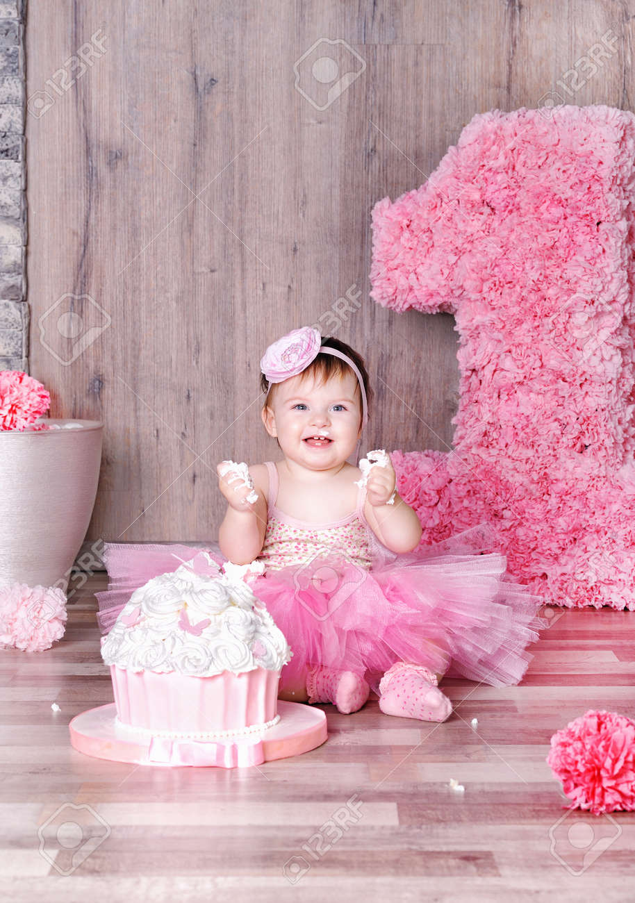 Swell Cute Smiling Baby Girl Eating First Birthday Cake Smeared Face Funny Birthday Cards Online Sheoxdamsfinfo
