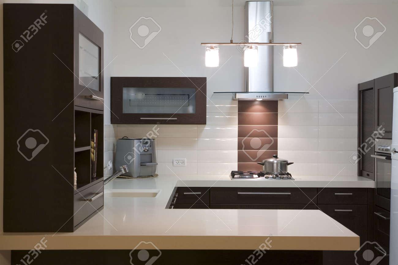 cucina design moderno sala / cucina di lusso foto royalty free ... - Cucina Di Design Armadio Di Lusso