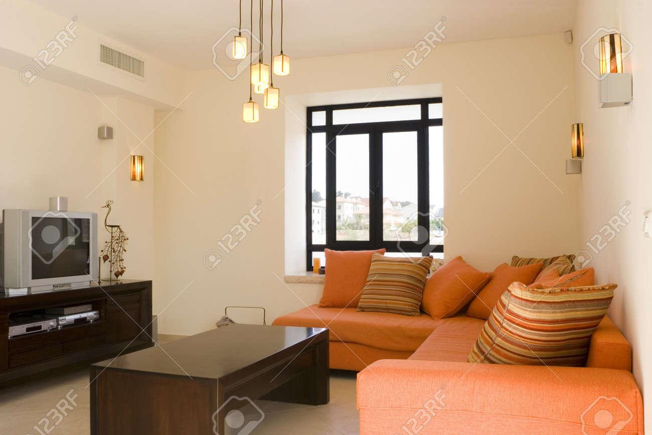 Modernen Möbeln Eingerichtet Wohnzimmer Im Haus / Das Wohnzimmer ...