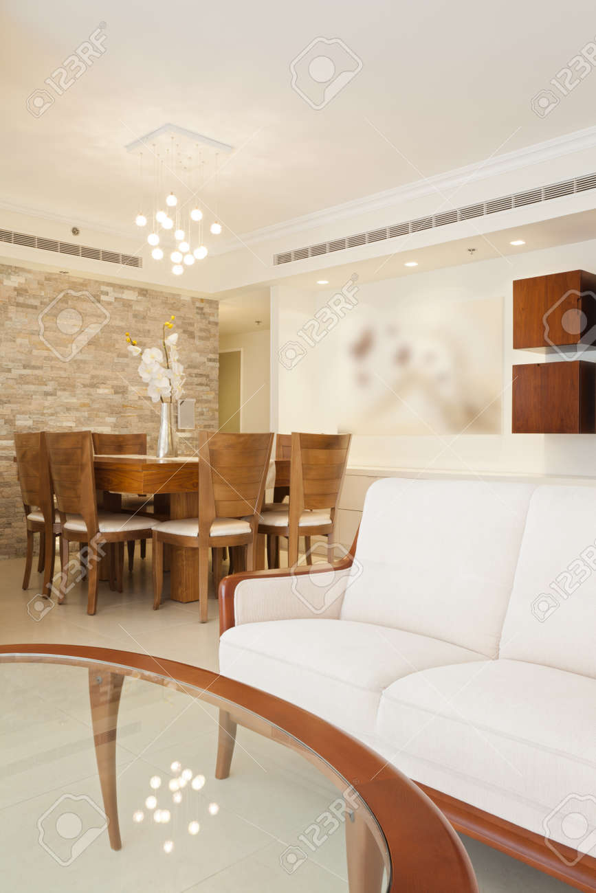 Classic Dining Room Stock Photo - 15474134