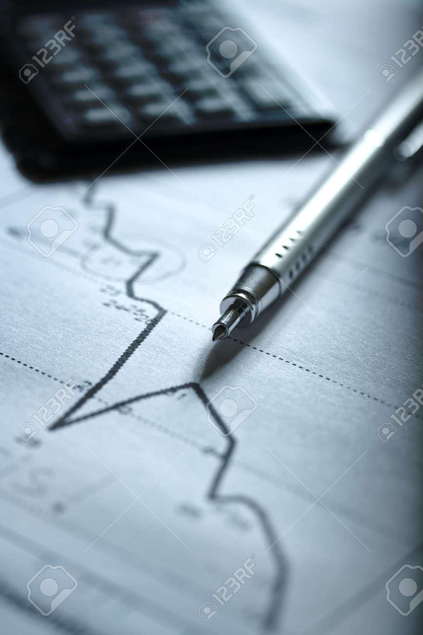 Diagrama De Una Economía En Crisis Con Una Calculadora Del Plan En ...
