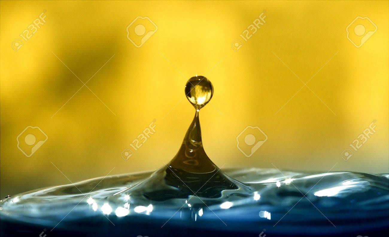 Beautiful water drop Stock Photo - 9613973