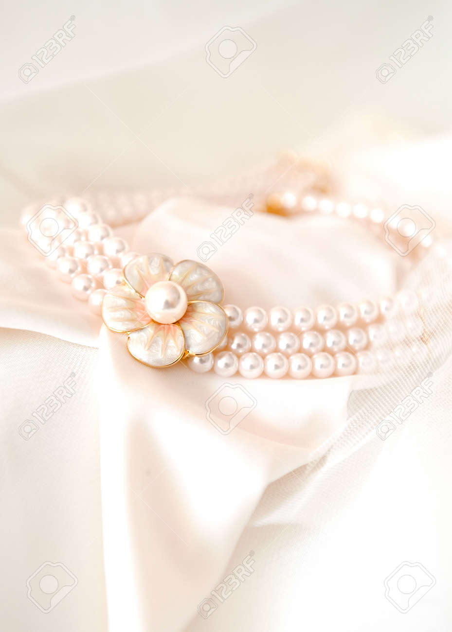 beautiful bridal necklace on pink background Stock Photo - 7722487