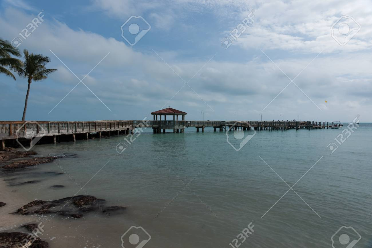 Pier extending into the ocean Stock Photo - 17486172