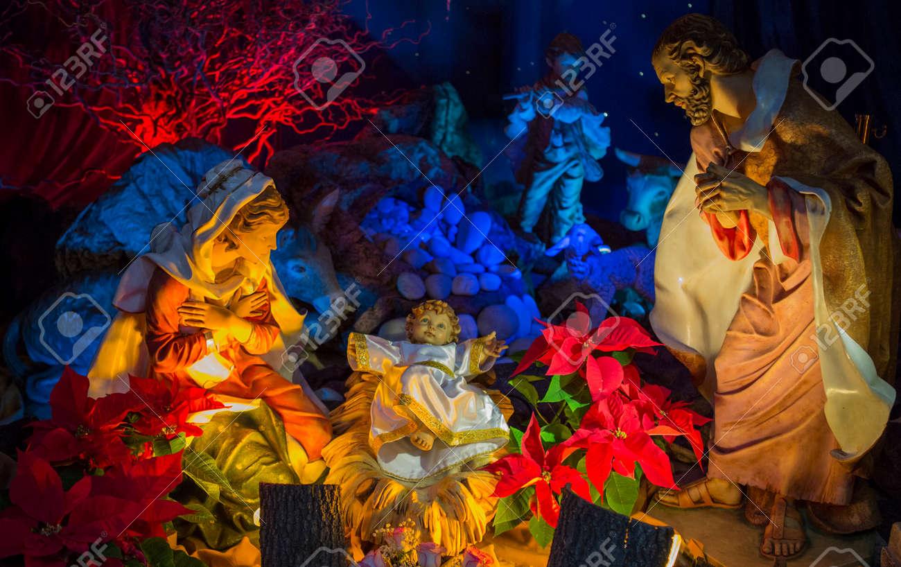 Imagenes Sagrada Familia Navidad.Una Escena De Navidad La Sagrada Familia Jesus Jose Y Maria