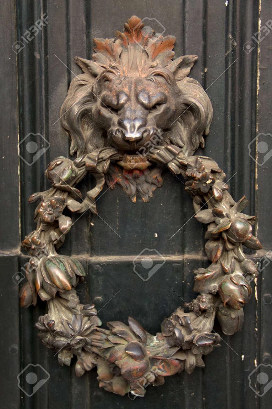 Antique Door Knocker Lion Head Shape