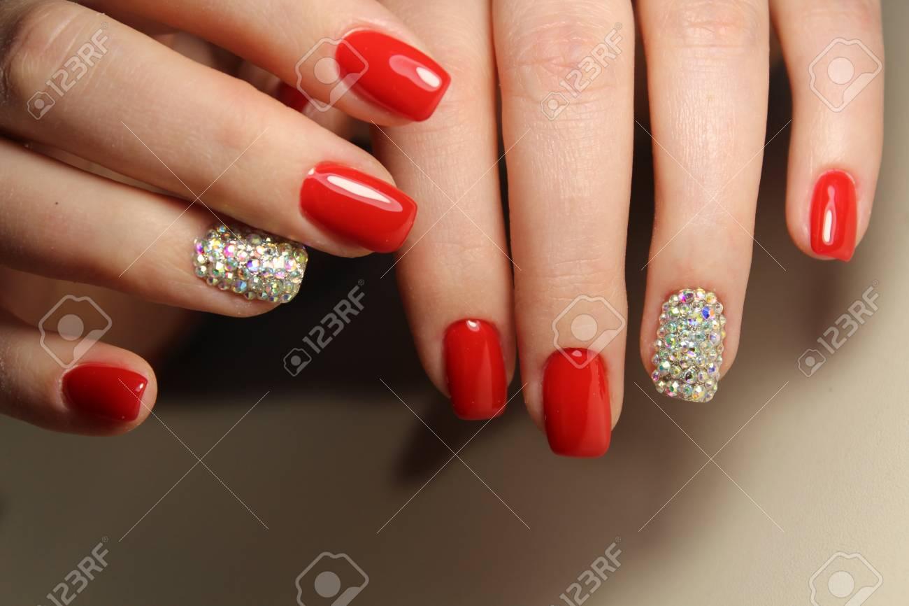 Manicure Design Gel Barniz Uñas Rojas Con Pedrería