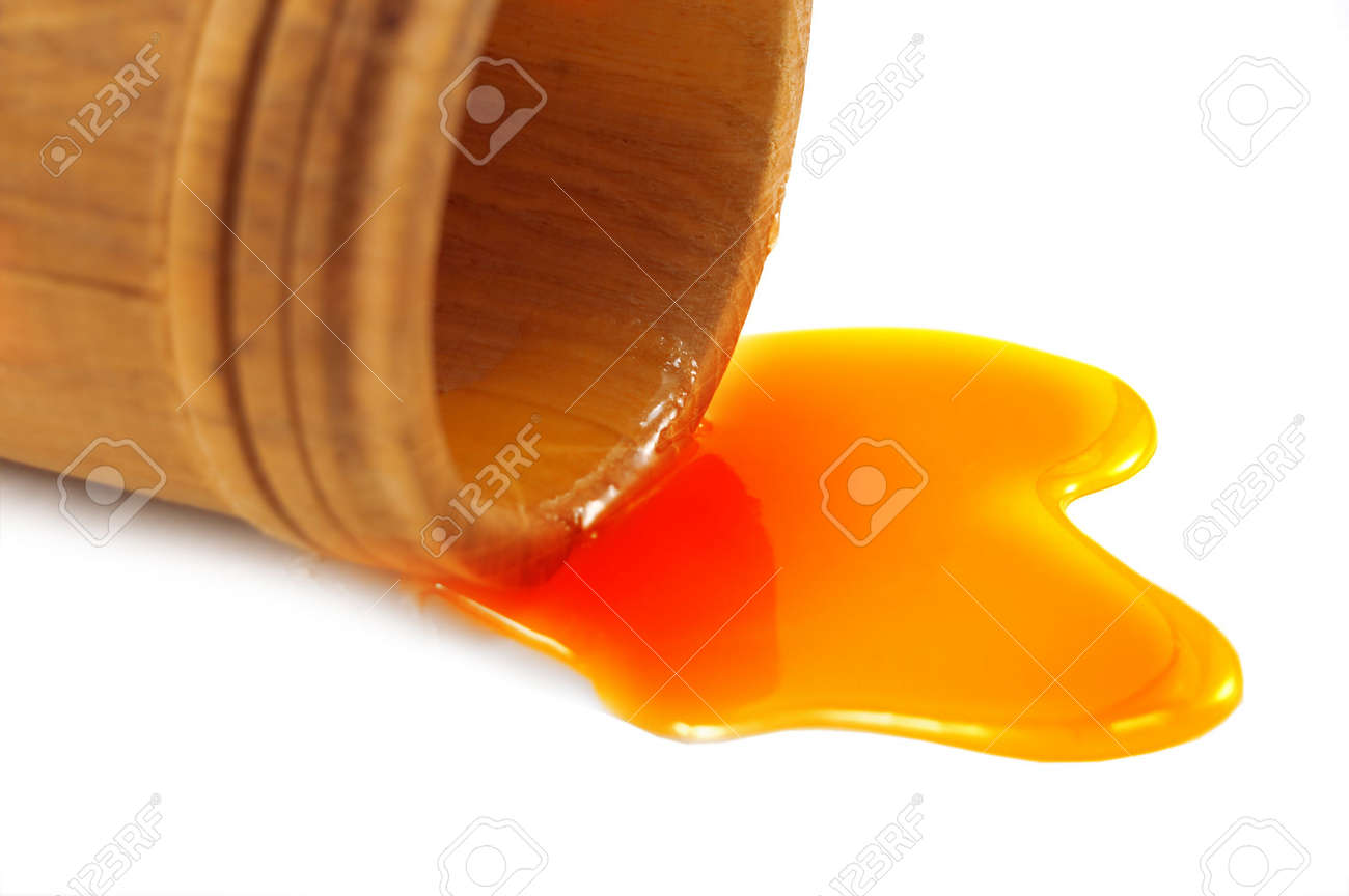 honey with wood cup isolated Stock Photo - 3761395