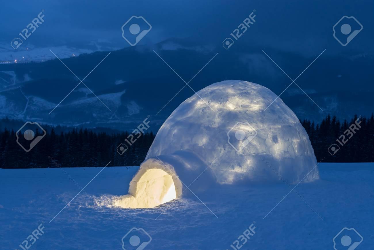 igloo in the high mountain - 40216138