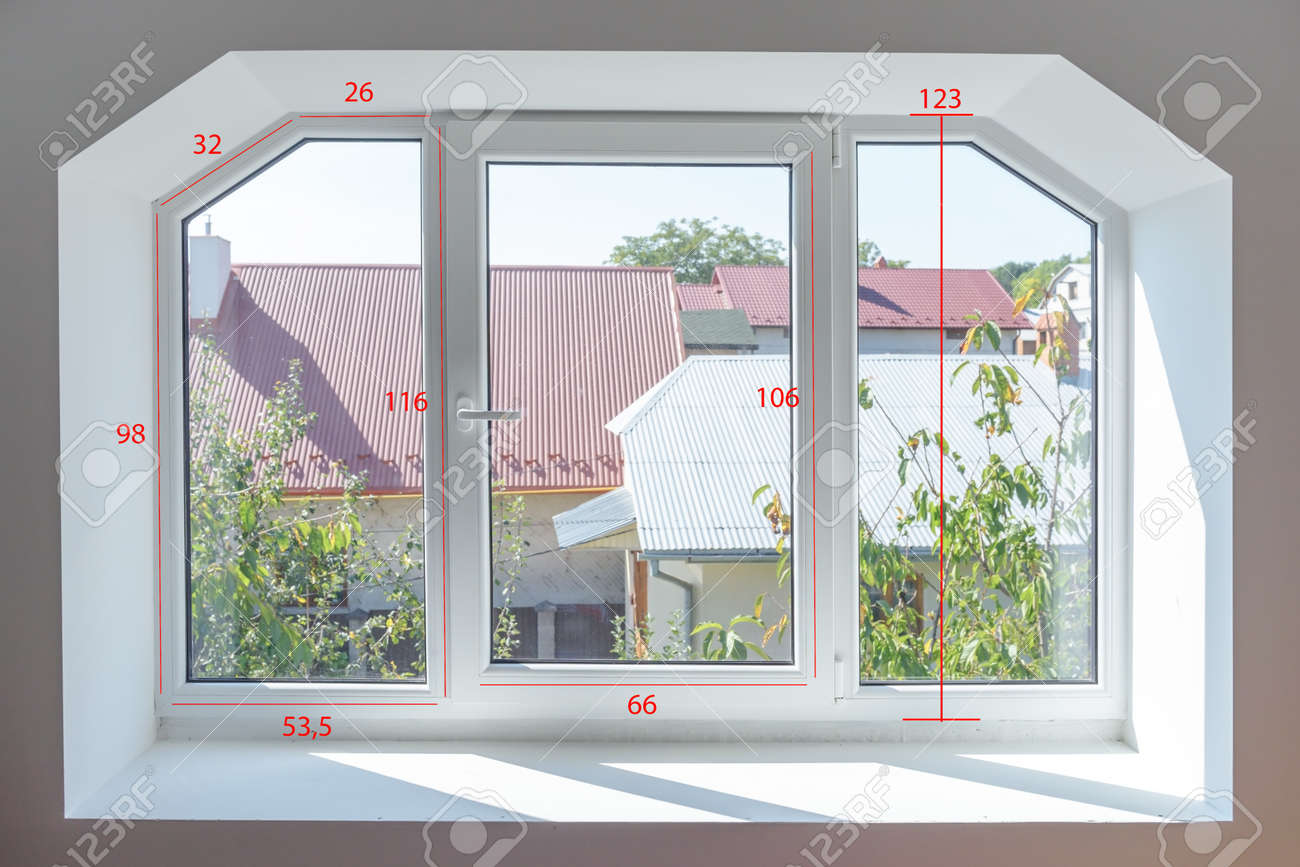 Plastic window with measuring size - 64389226