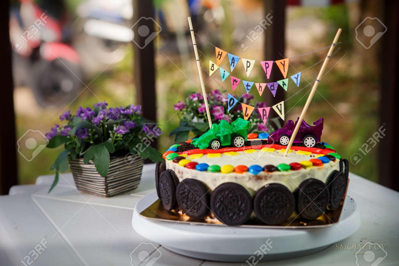 Pastel De Vainilla Deliciosa Para La Fiesta De Cumpleanos De Los - Como-decorar-una-tarta-de-cumpleaos-para-nios