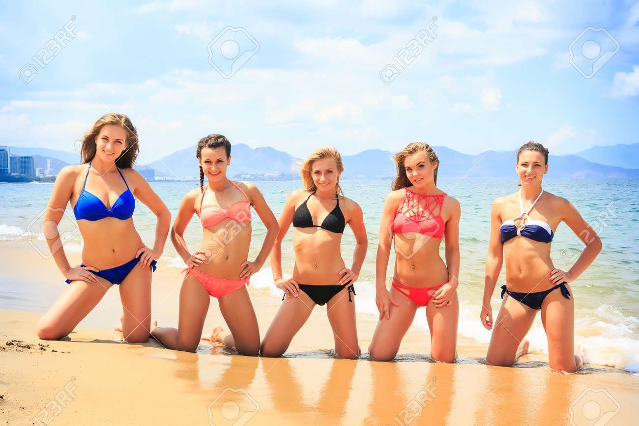 Latina twerking on dick