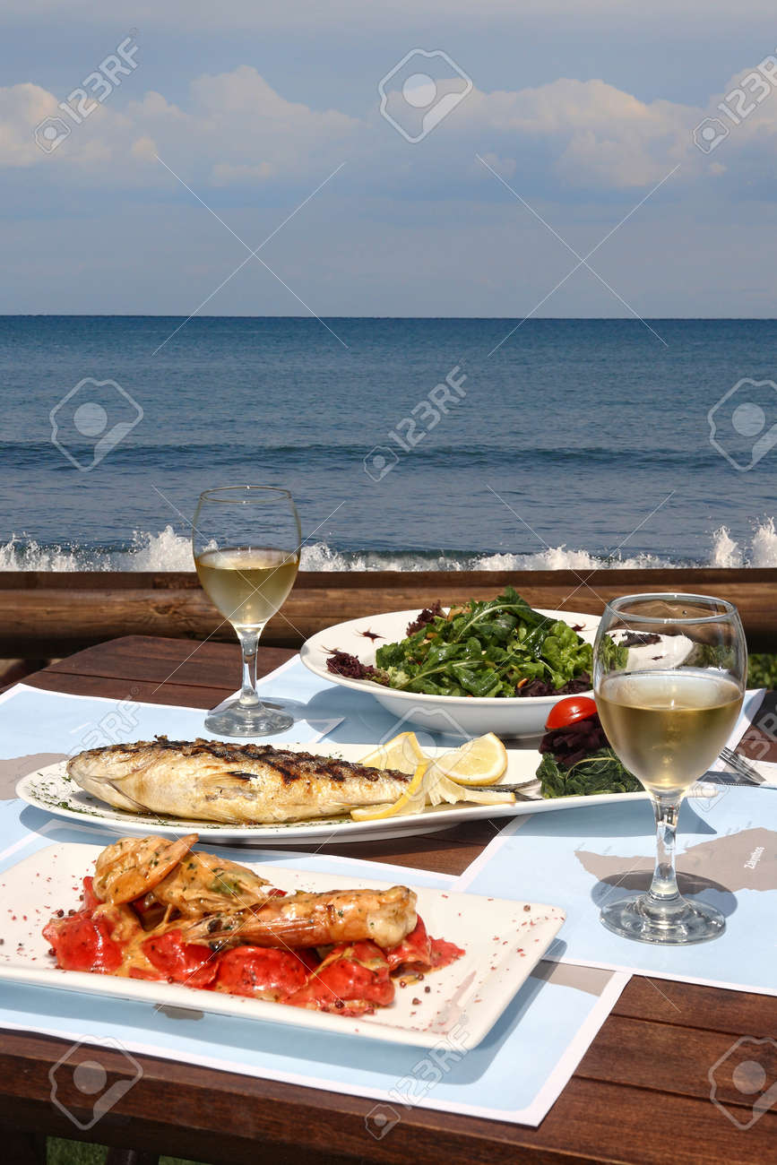 healthy seafood  for two by the sea Stock Photo - 11068632