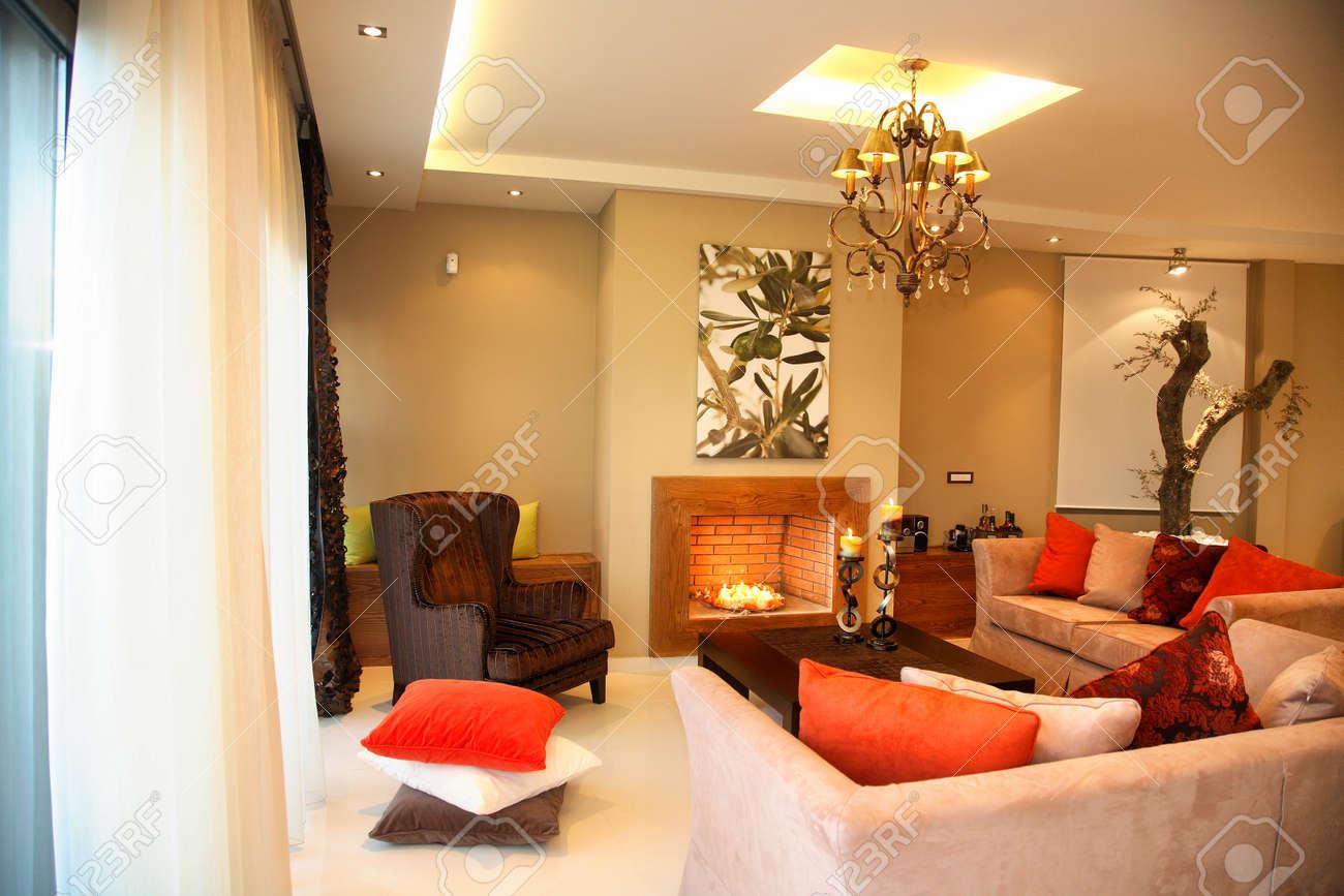 Intérieur D\'un Salon De Luxe Avec Grand Canapé Banque D\'Images Et ...