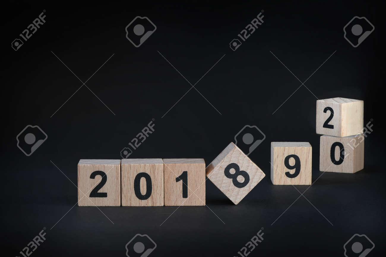 2018, 2019 Y 2020 En Fondo Negro, Feliz Año Nuevo Concepto Y La