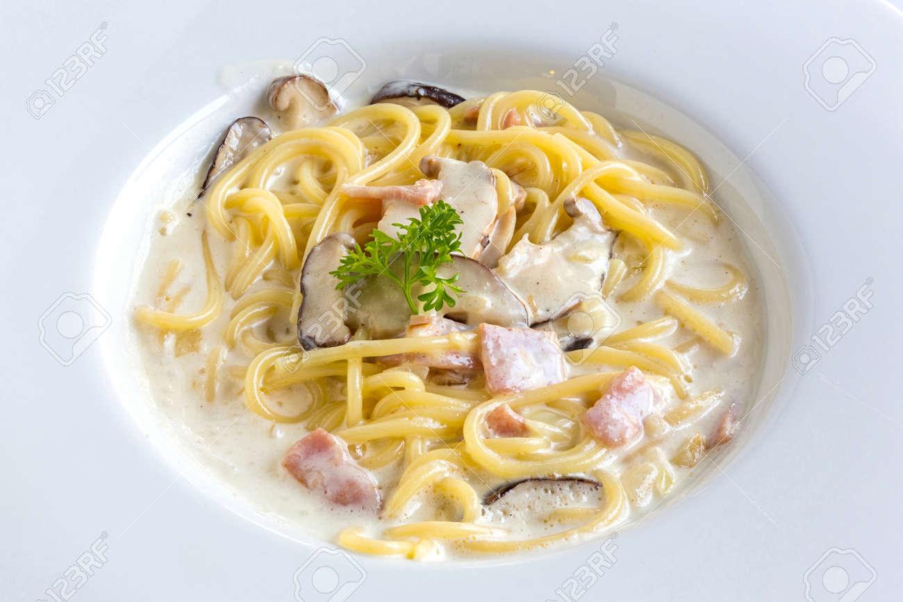 Recipe for carbonara pasta with cream