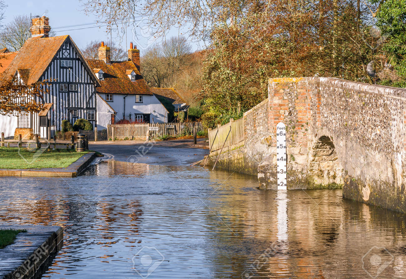 The Ford at Eynsford Stock Photo - 17955564