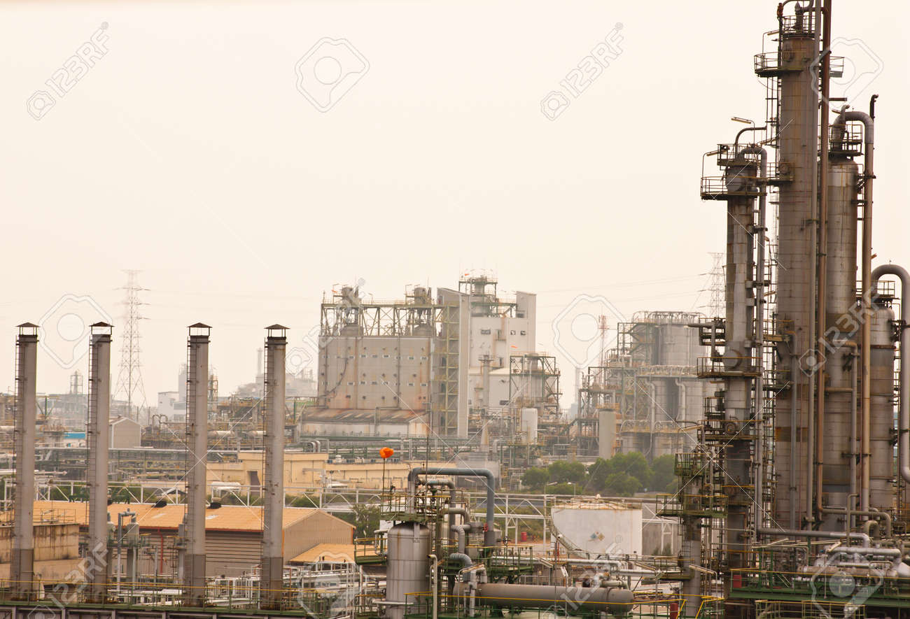 Tower in petrochemical factory Stock Photo - 10023511