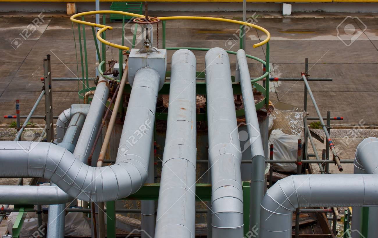 pipe line in petrochemical plant Stock Photo - 12940724