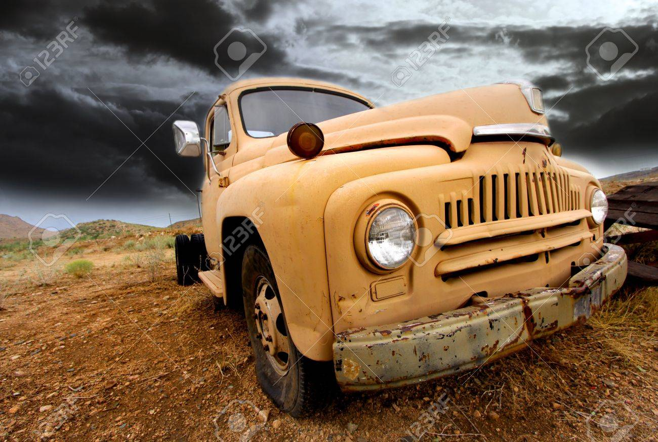 Wide angle shot of old rustic truck Stock Photo - 14736098