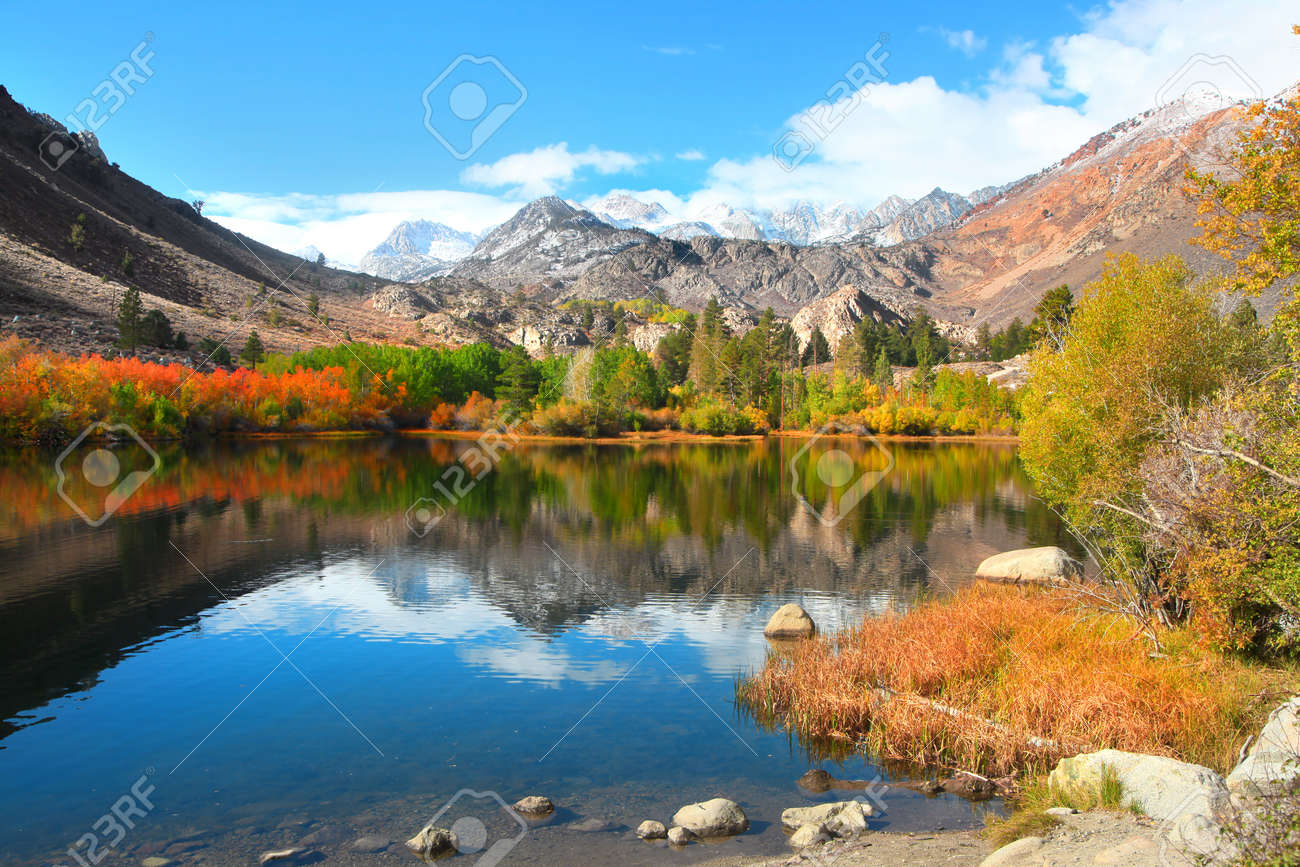 Fall colors near Sabrina lake ,Bishop California - 70400268