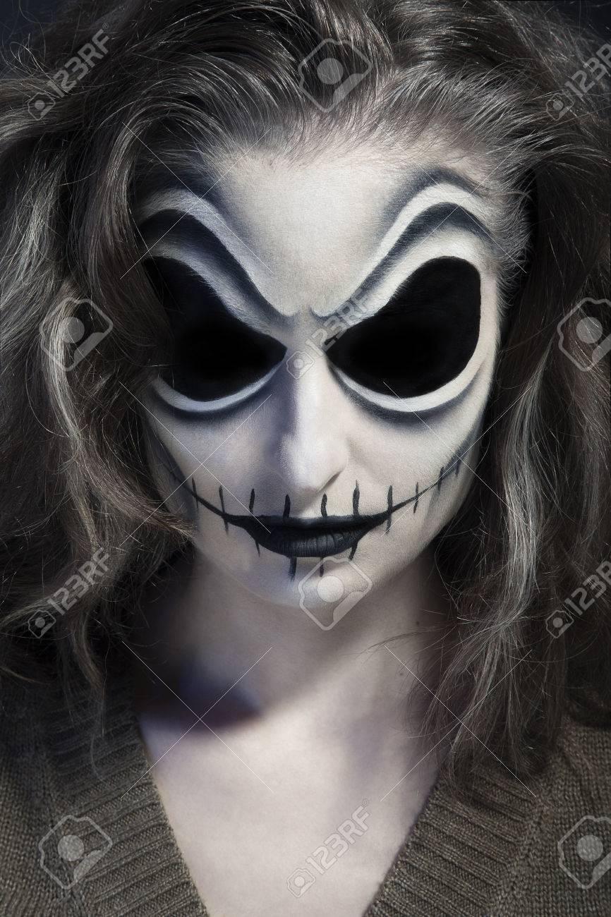 Halloween Schminke Deutsch.Girl Zombie Make Up For Halloween Holiday Stock Photo Picture And Royalty Free Image Image 32312469
