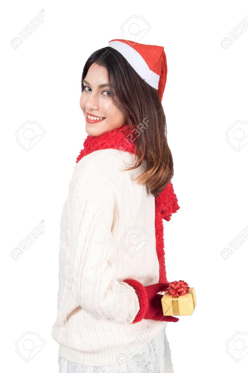 Santa Hat Weihnachten Frau Hält Weihnachtsgeschenk Lächelnd ...