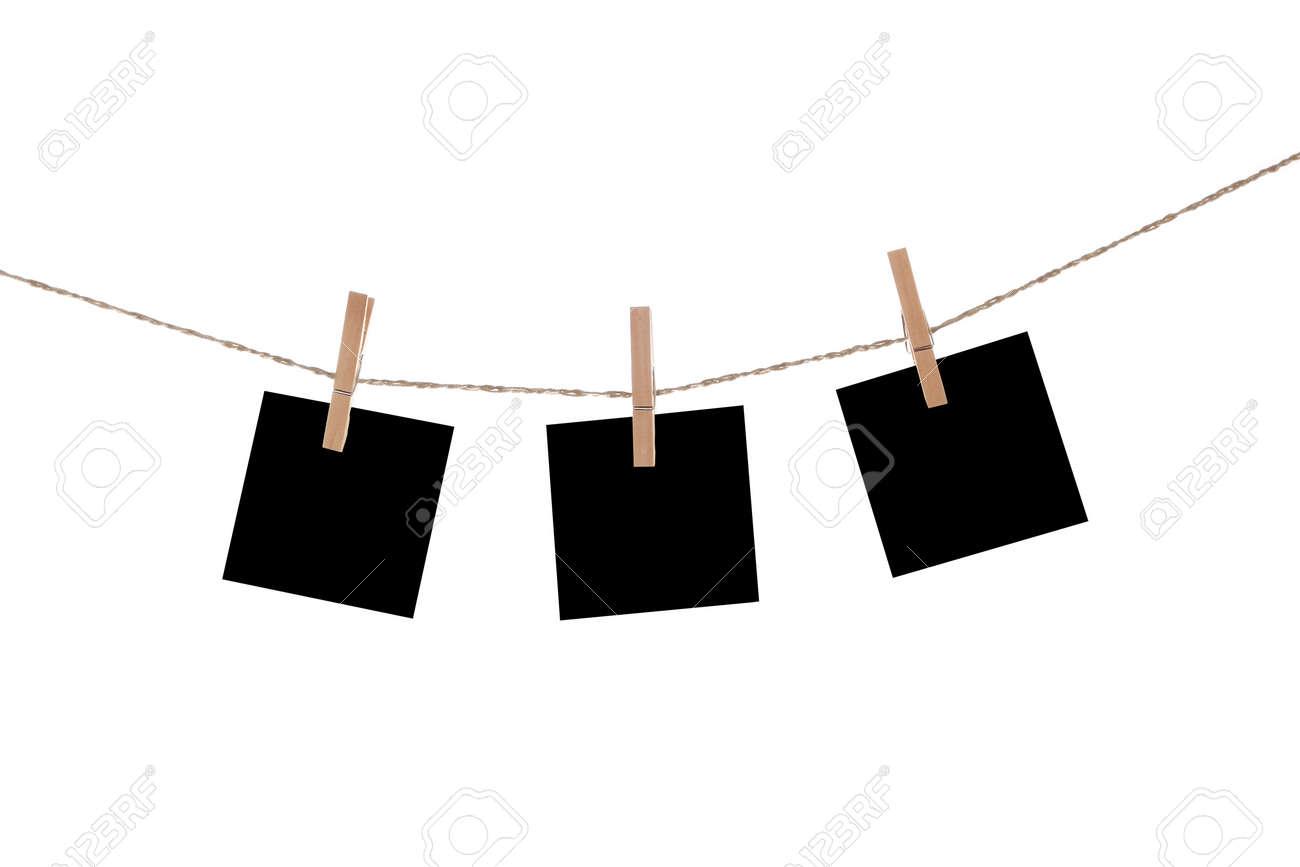 Blank Papier-Karten Hängen An Wäscheklammern Lizenzfreie Fotos ...