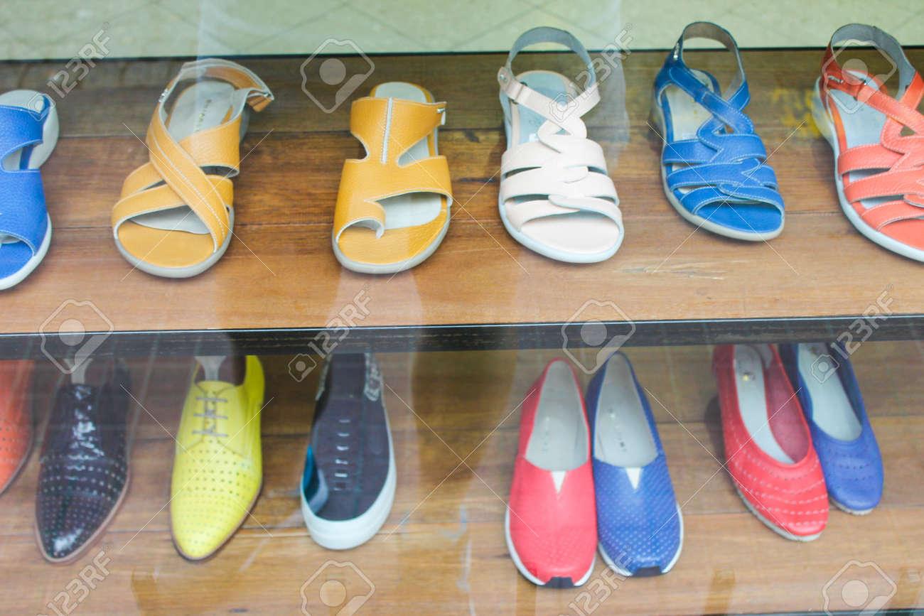 Vintage Shoes Store - 155107075