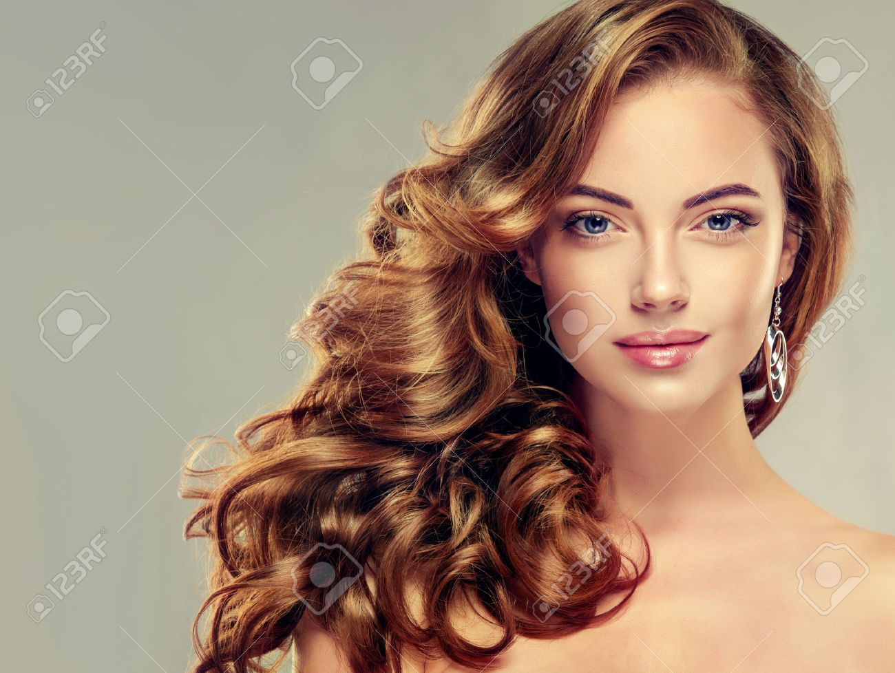Excellent Beautiful Girl With Long Wavy Hair Brunette Model With Curly Hairstyles For Men Maxibearus