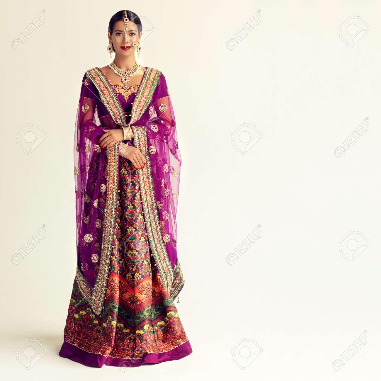 Stilvolle Designer-Partykleidung f/ür indische Frauen exklusiver Sari mj27