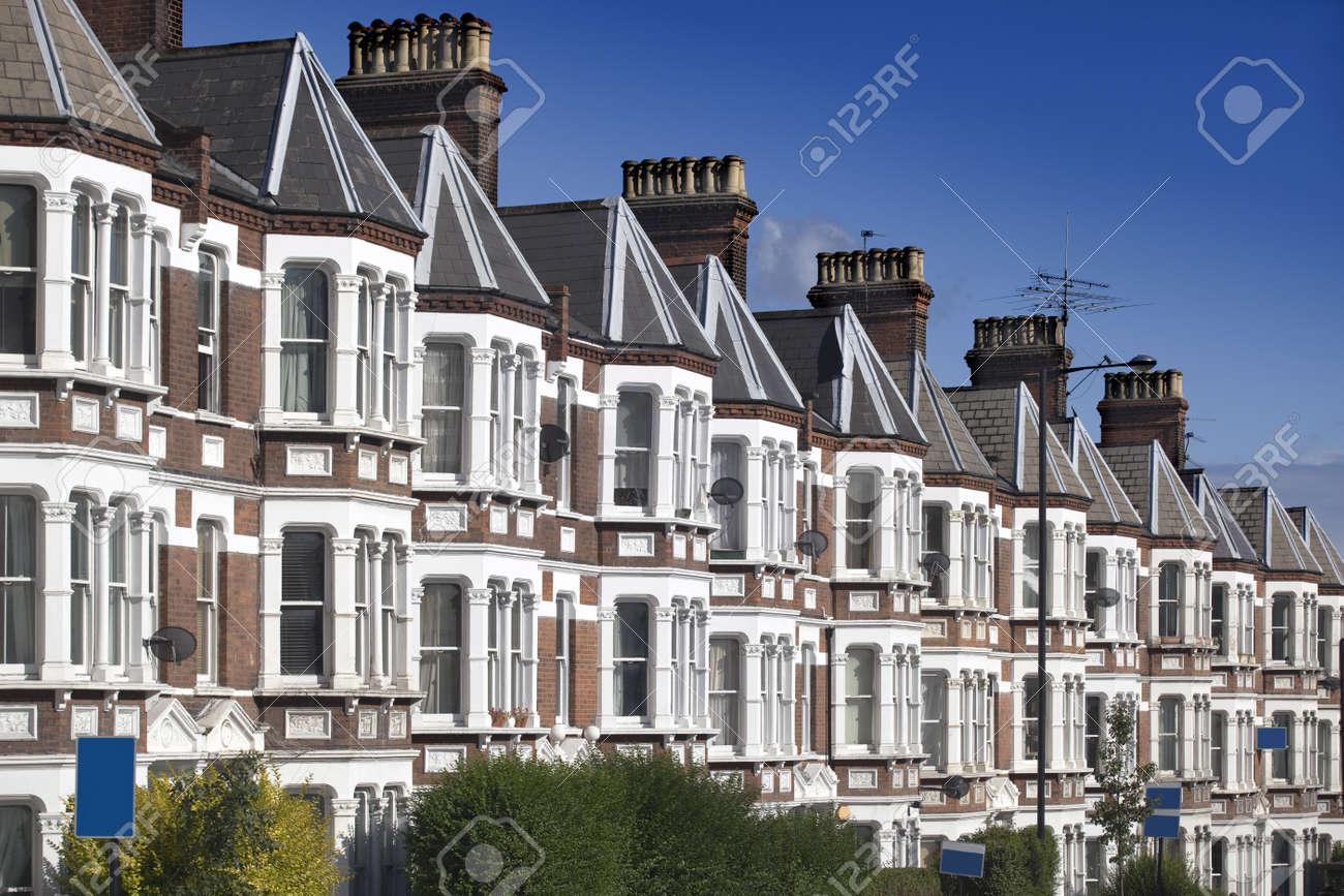 Casas Típicas De Inglés En Londres. Fotos, Retratos, Imágenes Y ...