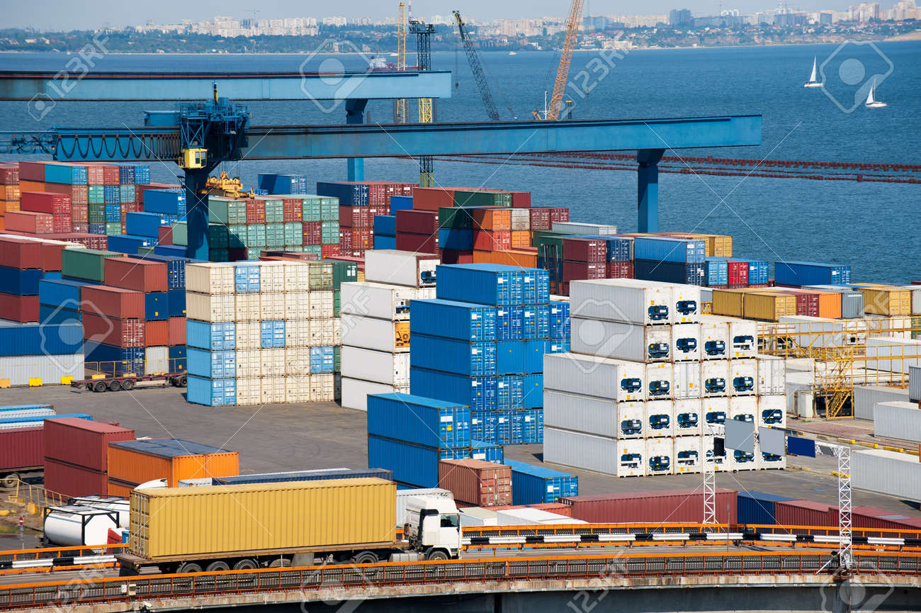 truck transport container to warehouse near the sea - 17084550
