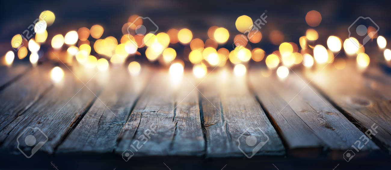 Bokeh Of Christmas Lights On Vintage Wooden Plank Stock Photo - 63826323 - Bokeh Of Christmas Lights On Vintage Wooden Plank Stock Photo