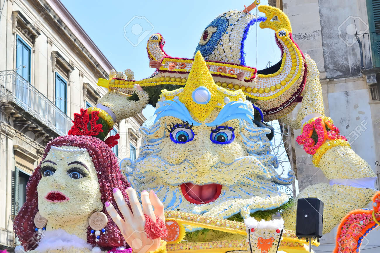 Acireale (CT), Italy - 29 April 2018: detail of a flowery float depicting various characters of fantasy during the parade of the flowers festival along the streets of Acireale. - 105184302