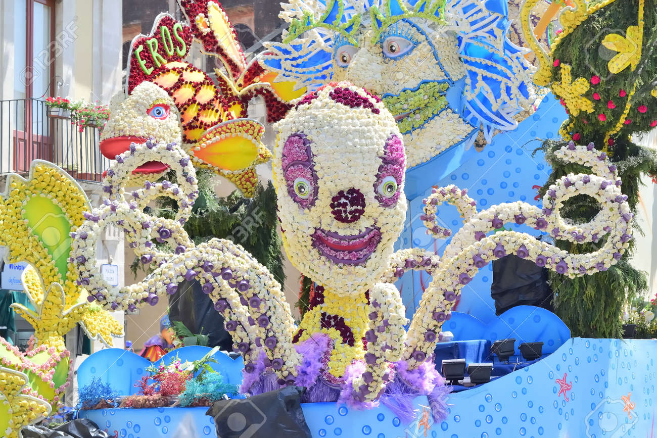 Acireale (CT), Italy - 29 April 2018: detail of a flowery float depicting various characters of fantasy during the parade of the flowers festival along the streets of Acireale. - 105184305